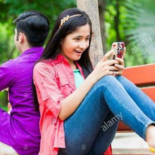Girls_chatting_group