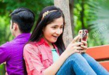 girl-chatting-group
